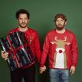 """Schöne Bescherung: """"jerks.""""-Doppelfolge zu Weihnachten – Vierte Staffel der Comedy mit Christian Ulmen und Fahri Yardım fertig abgedreht – © Joyn/André Kowalski"""