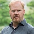 """""""Stargirl"""" engagiert Jim Gaffigan und Nick Tarabay für Staffel zwei – """"Thunderbolt"""" und """"Eclipso"""" für neue Staffel besetzt – © TV Land"""