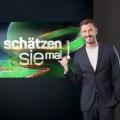 """""""Schätzen Sie mal!"""": Jochen Schropp moderiert Neuauflage der DDR-Quizshow – Weiteres Nachmittagsquiz im Ersten ab Juni – © MDR/Reiner Freese"""