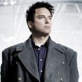 """Doctor Who"": John Barrowman kommt im Feiertagsspecial zurück – Captain Jack in ""Revolution of the Daleks"" – Bild: Starz"