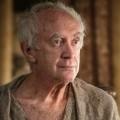 """""""The Crown"""": Der """"Hohe Spatz"""" wird letzter Prinz Philip – Schauspieler Jonathan Pryce übernimmt Rolle in den finalen Staffeln – Bild: HBO"""