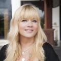 """""""Bitte melde dich""""-Moderatorin Julia Leischik verlängert Exklusivvertrag mit Sat.1 – Neue Folgen starten am kommenden Sonntag – © Sat.1"""