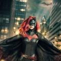 """The CW bestellt """"Batwoman""""-Pilot bei """"Arrow""""-Regisseur David Nutter – Kate Kane bekämpft das Verbrechen in Gotham – © DC/The CW"""