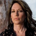 """Rebel"": Katey Sagal wird für ABC zu ""Erin Brockovich"" – Andy Garcia in Serienadaption dabei – Bild: FX Productions"