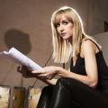 """""""Cheat"""": Katherine Kelly und Molly Windsor in Psychodrama der """"Liar""""-Macher – Betrügerische Studentin kämpft gegen Professorin – Bild: BBC"""