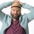 "Tyler Labine (""Reaper"") übernimmt Hauptrolle in CBS-Comedy-Pilot – An der Seite von Alice Eve in ""Hannah Royce's Questionable Choices"" – © Nicole Rivelli Hulu/Lions Gate Entertainment"