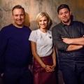 """VOX öffnet den """"Knife Fight Club"""" mit Tim Mälzer und Tim Raue – Schlagabtausch von Spitzenköchen am Donnerstagabend – © MG RTL D / Morris Mac Matzen"""