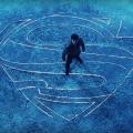 """""""Krypton"""": Superman-Prequel als leicht wirrer Zeitreise-Thriller – Review – """"Man of Steel""""-Autor macht den noch jugendlichen Opa routiniert zum trotzigen Protagonisten – Bild: Syfy"""