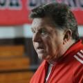 "Altdarsteller Larry Manetti besucht neues ""Magnum P.I."" – Alter Rick hilft neuem Rick – © CBS"