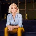 """[UPDATE] """"Late Night Alter"""": ZDFneo überrascht mit neuer Late-Night-Show – funk-Moderatorin Ariane Alter mit neuer Sendung im Herbst – Bild: ZDF/Robert Sakowski"""