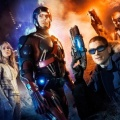 """DC's Legends of Tomorrow"": Zeitreise-Action im neuen Trailer – Spin-Off von ""Arrow"" und ""The Flash"" startet im Januar bei The CW – Bild: Warner Bros. TV"