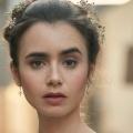 """Lily Collins wird für neue Dramedy """"Emily in Paris"""" – """"Younger""""-Schöpfer Darren Star und Phil Collins' Tochter mit neuer Serie – Bild: BBC"""