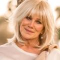 """""""Denver-Clan""""-Star Linda Evans besucht """"Das Traumschiff"""" – Soap-Ikone steht für ZDF-Reihe vor der Kamera – Bild: Facebook/LindaEvansOfficialpage"""