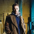 """Jeremiah"": Now US bringt alte Mystery-Serie mit Luke Perry ins Free-TV – Abenteuer in der Postapokalypse – © MG RTL D / © 2001 MGM GLOBAL HOLDINGS INC. All Rights Reserved."
