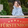 """""""Sturm der Liebe"""": Sängerin Mandy Capristo übernimmt Gastrolle – Ex-Monrose-Mitglied spielt sich in ARD-Telenovela selbst – Bild: ARD/Christof Arnold"""