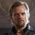 """Marc Warren wird zum niederländischen Kommissar """"Van der Valk"""" – Remake von klassischer Detektiv-Serie mit """"Hustle""""-Star – © BBC"""