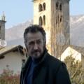 """""""Der Kommissar und die Alpen"""": Zweite Staffel des Italo-Krimis demnächst im Ersten – Serienadaption der Romanreihe """"Rocco Schiavone"""" – © FOX"""