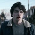 """""""Wayne"""": Trailer zur neuen Action-Comedyserie der """"Deadpool""""-Macher – """"Müssen wir Wayne vor der Welt schützen…oder die Welt vor Wayne?"""" – Bild: YouTube"""