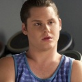 """Matt Shively und Emily Osment in Comedy-Pilot """"25"""" bei CBS – Darsteller aus """"The Real O'Neals"""" und """"Young & Hungry"""" in neuem Format – © ABC/Freeform"""