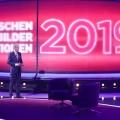 """Quoten: Jauchs RTL-Jahresrückblick so stark wie seit Jahren nicht mehr – """"The Voice Senior"""" mutiert zum Megaflop, """"Herzkino-Märchen"""" vor """"Polizeiruf"""" – Bild: TVNOW/Frank Hempel"""
