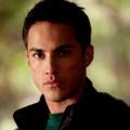 """Michael Trevino (""""Vampire Diaries"""") wird im """"Roswell""""-Reboot der neue Kyle Valanti – Nachfolger für Nick Wechsler gefunden – Bild: The CW"""