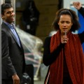 """""""Four Weddings and a Funeral"""": Hugh Grant würde Serienadaption abschalten – Review – Im Serien-Update des britischen Filmklassikers wirken Witz und Romantik gleichermaßen aufgesetzt – © Hulu"""