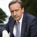 """""""Inspector Barnaby"""": ZDF setzt 15. Staffel im August fort – Neil Dudgeon ermittelt auf einem Horrorfilm-Festival – Bild: ZDF / Mark Bourdillon"""