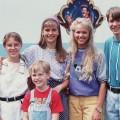 """[Advertorial] """"Neues vom Süderhof"""": Kultserie der 90er erscheint auf DVD – Staffeln 1 und 2 mit der Erstbesetzung ab kommendem Freitag – Bild: ARD"""