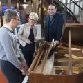 """""""Wieder wertvoll"""": ZDF zeigt neues Trödelformat mit Andrea Ballschuh – Ab Januar wird kräftig """"upgecyclet"""" – Bild: ZDF/Jule Roehr"""