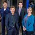 """BBC verkündet Cast für zweite Staffel von """"Ordinary Lies"""" – Komplette Neubesetzung für Staffel 2 – © BBC"""