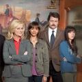 """""""Parks and Recreation"""": Verspätete Deutschlandpremiere der letzten zwei Staffeln – Ausstehende Folgen der Mockumentary mit Amy Poehler bei Sky 1 – © NBC"""