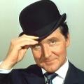 """Mit Schirm, Charme und Melone"": Patrick Macnee ist tot – Gentleman-Spion ""John Steed"" wurde 93 Jahre alt – Bild: ITV/ABC/Thames"