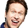 """HBO bestellt Comedypilot """"Crashing"""" von Judd Apatow (""""Beim ersten Mal"""") – Komiker Pete Holmes übernimmt die Hauptrolle – © TBS"""