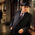 """Das Erste nimmt neue BBC-Krimireihe """"Quirke"""" ins Programm – Gabriel Byrne als """"Der Pathologe"""" am Sonntagabend – © RTE/BBC"""