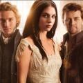 """""""Reign"""": Neue Historienserie startet Ende Februar bei sixx – Maria Stuart zwischen dem Thronfolger von Frankreich und seinem Bruder – Bild: The CW"""