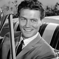 """77 Sunset Strip"": Roger Smith gestorben – Privatschnüffler Jeff Spencer wurde 84 Jahre alt – © YouTube/Warner Bros. Television"