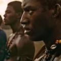 """""""Roots"""" – Review – Kraftvolle Neuverfilmung mit starken Darstellern – von Gian-Philip Andreas"""