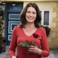 """""""Rote Rosen"""": Patricia Schäfer wird Serienheldin der 14. Staffel – Konditorin muss sich zwischen Liebesabenteuer und Geborgenheit entscheiden – Bild: ARD/Nicole Manthey"""