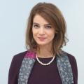 """""""Rose Rosen"""": Rike Schmid stößt zur ARD-Telenovela – Heimliche Verlobte von Arthur Burgstett – Bild: ARD/Nicole Manthey"""