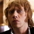 """""""Snatch"""": Rupert Grint für Hauptrolle in Serienadaption besetzt – Ex-Ron Weasley wird zum todschicken Betrüger – © Alchemy"""