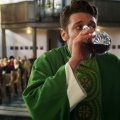 """Sankt Maik"": Neue RTL-Dramedy – Gott sei Dank oder um Himmels Willen? – Review – Charmanter Trickbetrüger landet unter der Soutane – © MG RTL D"