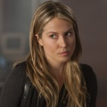 """Sarah Carter neue Hauptdarstellerin bei """"Rogue"""" – """"Falling Skies""""-Darstellerin mit fliegendem Wechsel zu neuer Serie – © TNT"""