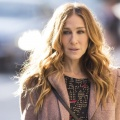 """HBO mit Startdaten für Comedys """"Divorce"""" und """"Crashing"""" – Serien mit Sarah Jessica Parker und Pete Holmes kehren Anfang 2018 zurück – Bild: HBO"""