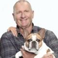 """""""Modern Family"""": Bulldogge Stella verstirbt nach Ende der Dreharbeiten – Hündin stand sieben Staffeln lang neben den Pritchetts vor der Kamera – © ABC"""