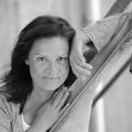 """Stefanie Tücking im Alter von 56 Jahren überraschend verstorben – Langjährige SWR-Mitarbeiterin wurde jung mit """"Formel Eins"""" bekannt – © obs/SWR - Südwestrundfunk"""