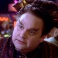 """""""Babylon 5"""": Stephen Furst im Alter von 63 Jahren gestorben – Bekannt als Vir Cotto und durch """"Chefarzt Dr. Westphall"""" – © Warner Bros. Television/Lois Benton"""