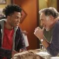 """ProSieben: Comedys """"Superior Donuts"""" und """"The Grinder"""" starten im Januar – US-Comedys müssen sich auf Randsendeplätzen durchschlagen – © CBS"""