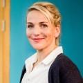 """""""Schule fürs Leben"""": Drehstart für ZDF-Serie mit Tanja Wedhorn – Engagierte Lehrerin stellt sich schwerwiegender Diagnose – © obs/ZDF/Gordon Muehle"""