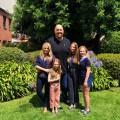 """""""The Big Show Show"""": Wrestlingstar übernimmt Hauptrolle in Netflix-Familiensitcom – 2-Meter-Mann im Frauenhaushalt – Bild: Netflix"""