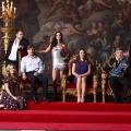 """""""The Royals"""": Zweite Staffel ab Juni bei maxdome verfügbar – Elizabeth Hurley und Joan Collins melden sich intrigant zurück – Bild: Lionsgate TV"""
